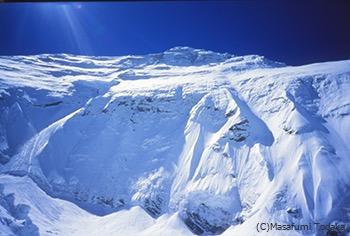 チョモランマ峰(8848m)北西壁全容